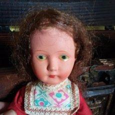 Muñecas Extranjeras: ANTIGUA MUÑECA EXTRANJERA, CARTÓN Y TRAPO. 29 CMTRS.. Lote 87461352