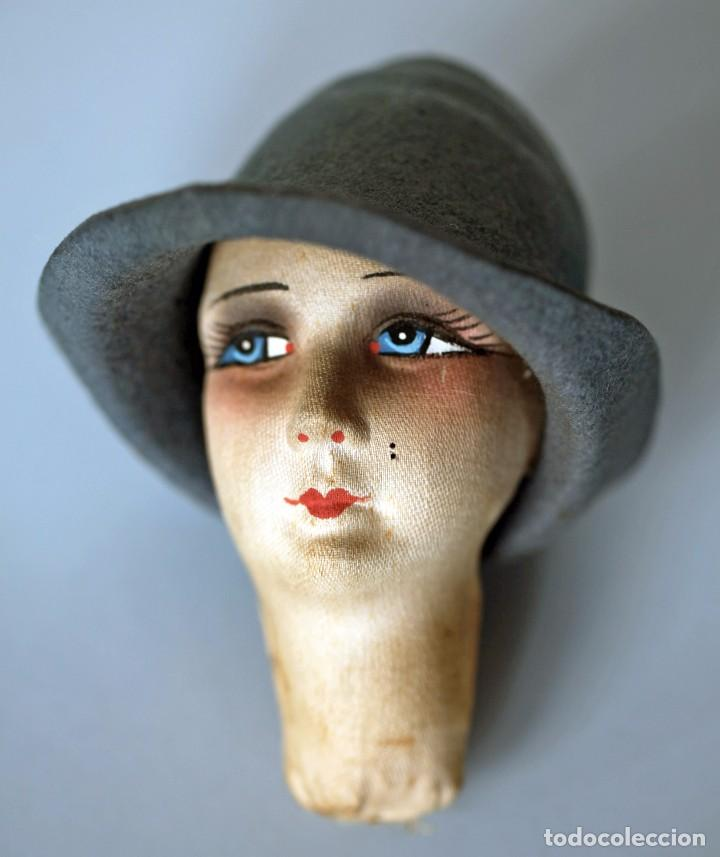Muñecas Extranjeras: Cabeza de muñeca de cartón piedra con sombrero y relleno de tela. 11x10 cm. - Foto 2 - 87614812