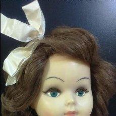 Muñeca grande francesa antigua años 50 marcada en la nuca Bté SGDG 700C ojos azul turquesa