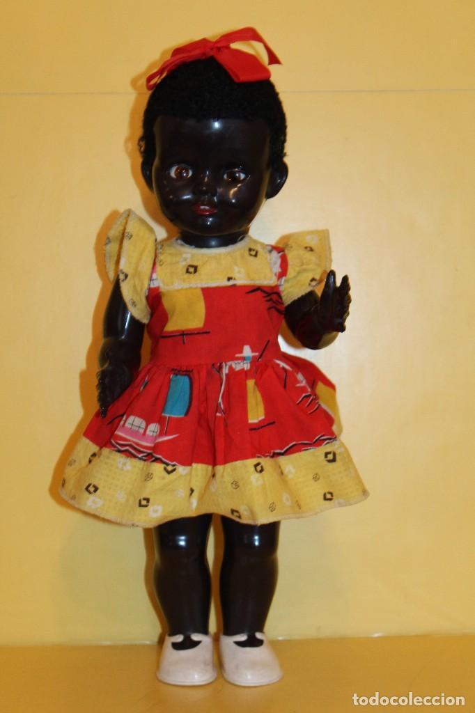 Muñecas Extranjeras: ANTIGUA MUÑECA NEGRA PEDIGREE MADE IN ENGLAND ANDADORA AÑOS 50 - Foto 2 - 105890407