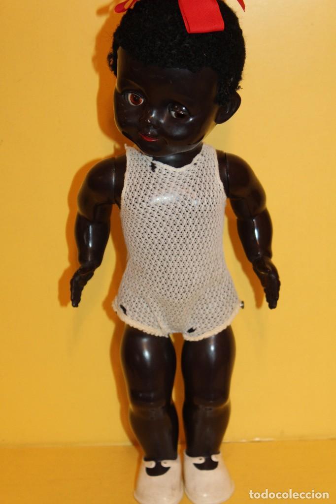 Muñecas Extranjeras: ANTIGUA MUÑECA NEGRA PEDIGREE MADE IN ENGLAND ANDADORA AÑOS 50 - Foto 6 - 105890407