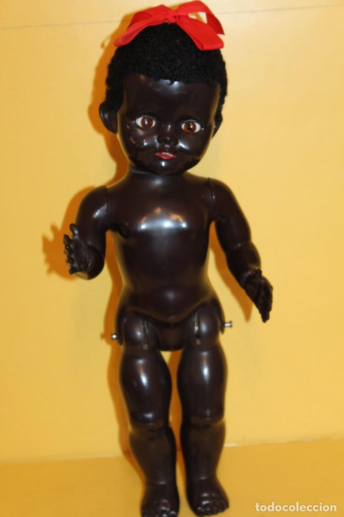 Muñecas Extranjeras: ANTIGUA MUÑECA NEGRA PEDIGREE MADE IN ENGLAND ANDADORA AÑOS 50 - Foto 8 - 105890407