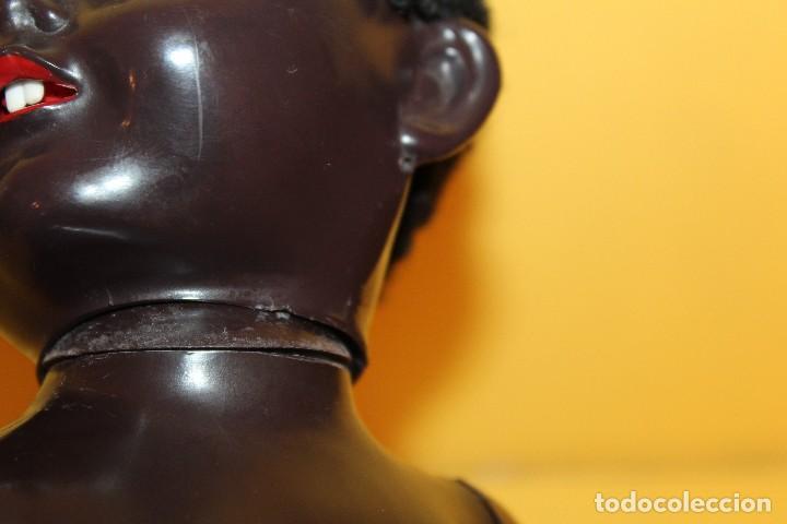Muñecas Extranjeras: ANTIGUA MUÑECA NEGRA PEDIGREE MADE IN ENGLAND ANDADORA AÑOS 50 - Foto 15 - 105890407