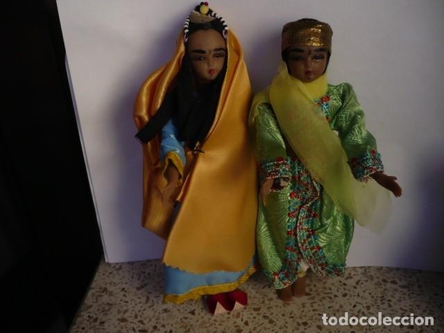 MUÑECOS DE LA INDIA CON ATUENDOS TIPICOS COLECCIÓN (Juguetes - Muñeca Extranjera Antigua - Otras Muñecas)