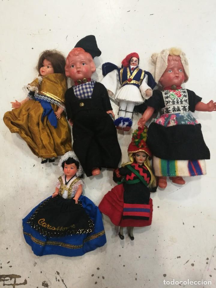 LOTE DE SEIS MUÑECAS Y MUÑECOS TRADICIONALES AÑOS 50/60 (Juguetes - Muñeca Extranjera Antigua - Otras Muñecas)
