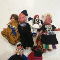 Muñecas Extranjeras: LOTE DE SEIS MUÑECAS Y MUÑECOS TRADICIONALES AÑOS 50/60. Lote 111279847