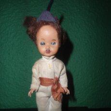 Muñecas Extranjeras: ANTIGUO MUÑECO PORTUGUES - MADEIRA - AÑOS 50-60. Lote 111977659