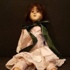 International Dolls - MUÑECA DE CARTON Y TELA - 112130215