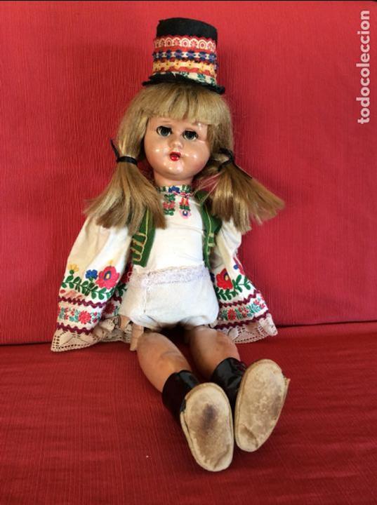 MUÑECA ANTIGUA. ¿HOLANDA?. ANDADORA (Juguetes - Muñeca Extranjera Antigua - Otras Muñecas)