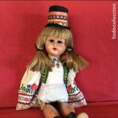 Muñecas Extranjeras: MUÑECA ANTIGUA. ¿HOLANDA?. ANDADORA. Lote 113846723
