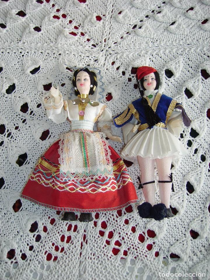 ANTIGUA PAREJA DE MUÑECOS GRIEGOS (Juguetes - Muñeca Extranjera Antigua - Otras Muñecas)