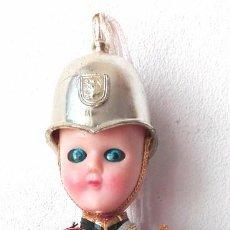 Muñecas Extranjeras: MUÑECO GUARDIA REAL BRITANICO. Lote 117123319