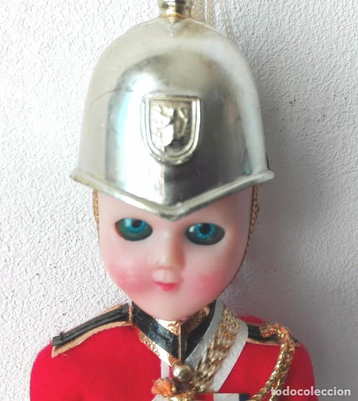 Muñecas Extranjeras: MUÑECO GUARDIA REAL BRITANICO - Foto 3 - 117123319
