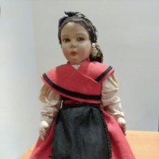 Muñecas Extranjeras: MUÑECA POSIBLE LENCI. VESTIDO REGIONAL.. Lote 117986399