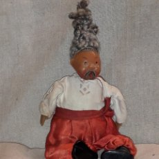 Muñecas Extranjeras: MUÑECO ANTIGUO UCRANIANO CAMPESINO CUERPO TRAPO EXTREMIDADES DE PLÁSTICO (CELULOIDE). Lote 118175750