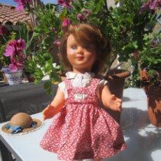 Muñecas Extranjeras: ANTIGUA MUÑECA FRANCESA ADA. BOUTIQUE DEL MUSEO DE PARIS. LEED INFORMACIÓN. Lote 92809325