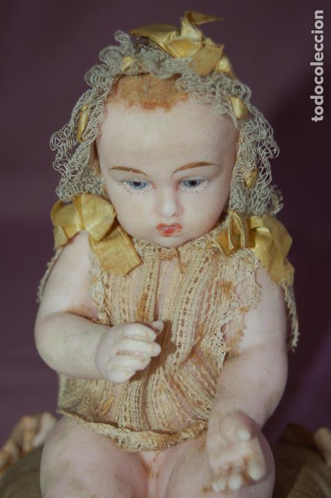 Muñecas Extranjeras: bebé de cera antiguo en cúpula - Foto 11 - 127497311