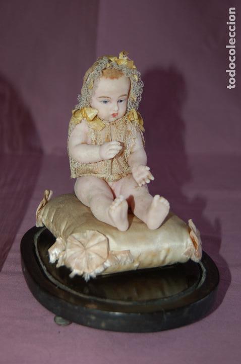 Muñecas Extranjeras: bebé de cera antiguo en cúpula - Foto 13 - 127497311