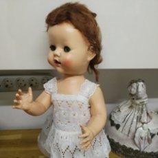 Muñecas Extranjeras: ANTIGUA MUÑECA ANDADORA DE PEDIGREE AÑOS 50. Lote 131034944