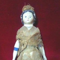 Muñecas Extranjeras: MUÑECA ANTIGUA EN PAPEL MACHE. EXTREMIDADES EN MADERA. HACIA 1830-1840.. Lote 134826238