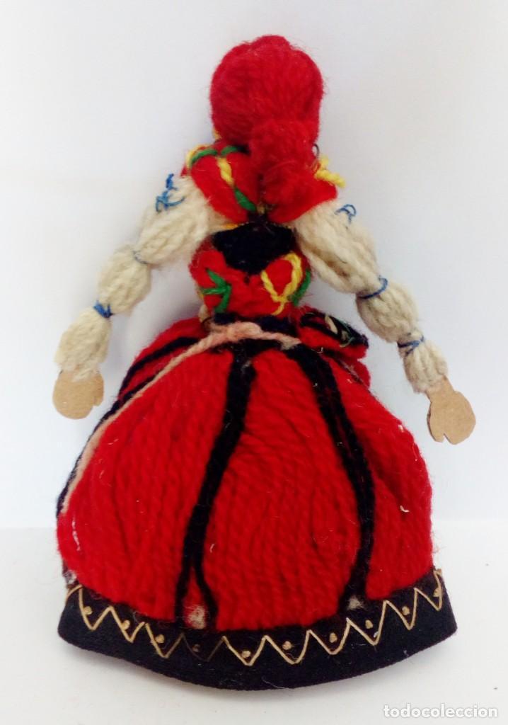 Muñecas Extranjeras: MUÑECA REALIZADA EN LANAS Y ROPA BORDADA, FINALES DEL SIGLO XIX - Foto 2 - 135497546