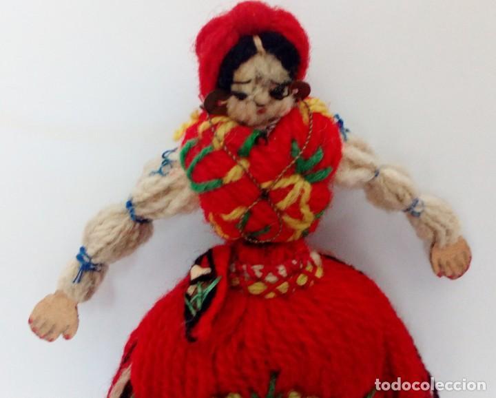 Muñecas Extranjeras: MUÑECA REALIZADA EN LANAS Y ROPA BORDADA, FINALES DEL SIGLO XIX - Foto 3 - 135497546