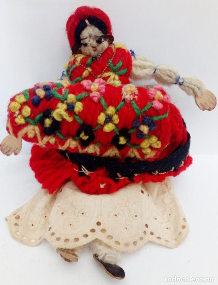 Muñecas Extranjeras: MUÑECA REALIZADA EN LANAS Y ROPA BORDADA, FINALES DEL SIGLO XIX - Foto 4 - 135497546