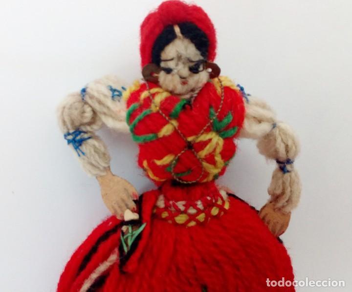 Muñecas Extranjeras: MUÑECA REALIZADA EN LANAS Y ROPA BORDADA, FINALES DEL SIGLO XIX - Foto 5 - 135497546