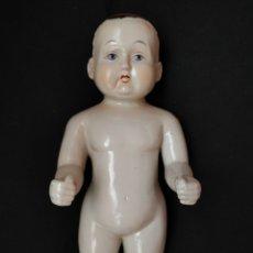 Muñecas Extranjeras: MUÑECO DE PORCELANA DE BAÑO BADEPUPPE FROZEN CHARLIE 31 CM. Lote 136180945