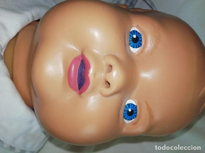 Muñecas Extranjeras: Muñeco Bebé 60cm,practicas hospitalaria - Foto 2 - 136352374