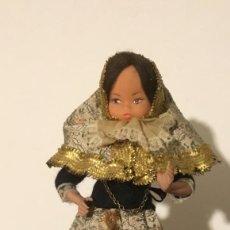 Muñecas Extranjeras: ANTIGUA MUÑECA TRAPO Y CELULOIDE. Lote 137684410