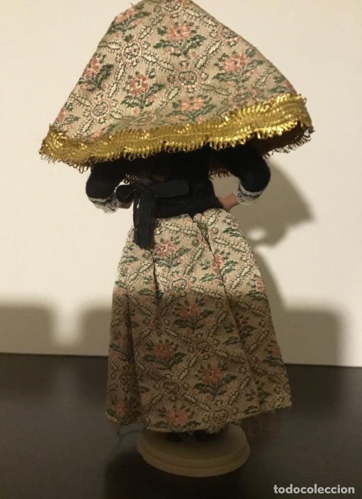 Muñecas Extranjeras: Antigua muñeca trapo y celuloide - Foto 5 - 137684410