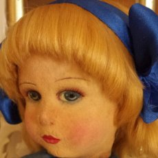 International Dolls - Antigua muñeca fieltro Raynal, de origen!! 1940, mide 43 cm. - 127845023