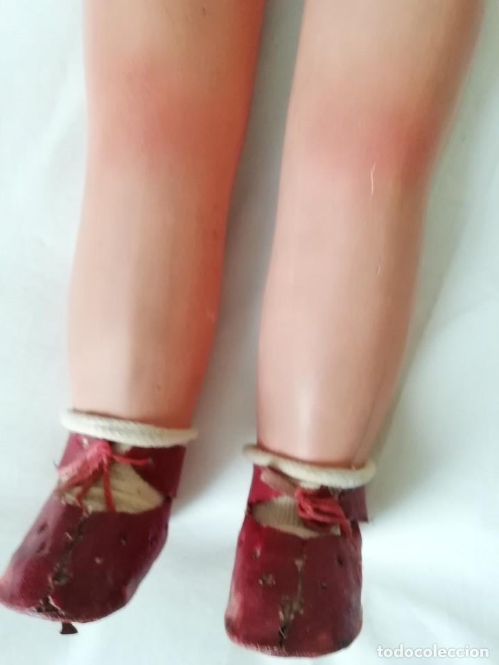 Muñecas Extranjeras: Gran muñeca andadora 60cm para restaurar cara y vestirla - Foto 2 - 147599982