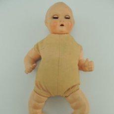 Muñecas Extranjeras: ANTIGUA MUÑECA BEBE TELA - AÑOS 30-40 RARA- PARA RESTAURAR. Lote 151528262