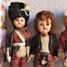 Muñecas Extranjeras: LOTE 4 MUÑECOS(AS) TRAJES ESCOCESES TIPICOS Y O MILITAR - 19 A 22.CM APROX. Lote 151883314