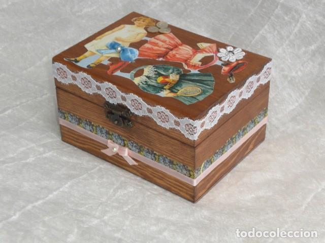 Muñecas Extranjeras: PRECIOSO COFRE DECORADO CON MUÑECA TINY Y SU AJUAR - EEUU - REPRODUCCIÓN EN COMPOSICIÓN - Foto 6 - 151962434