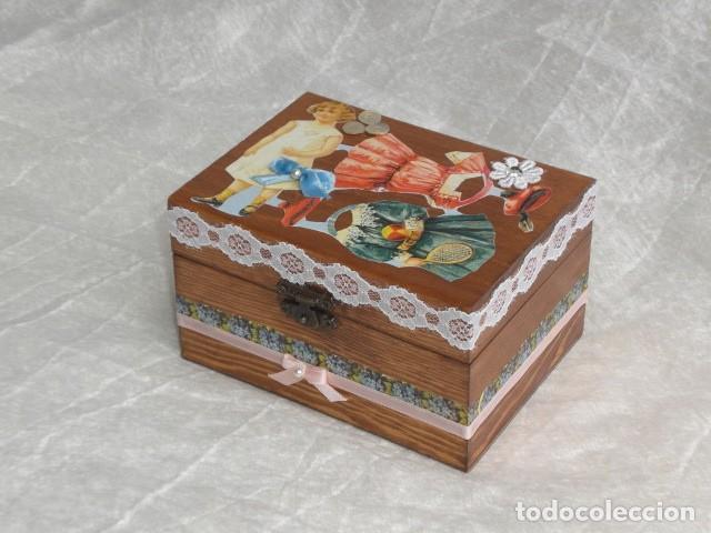 Muñecas Extranjeras: PRECIOSO COFRE DECORADO CON MUÑECA TINY Y SU AJUAR - EEUU - REPRODUCCIÓN EN COMPOSICIÓN - Foto 7 - 151962434
