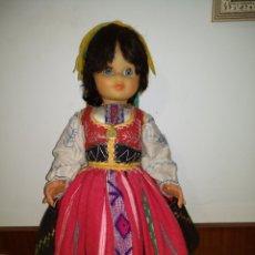 Muñecas Extranjeras: ANTIGUA MUÑECA TRADICIONAL DE NAZARE PORTUGAL. 58CM.. Lote 152930153