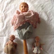 Muñecas Extranjeras: TRES MUÑECAS ANTIGUAS AÑOS 40/50 CON TRAJES ORIGINALES DE ÉPOCA. Lote 157364790