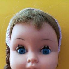 Muñecas Extranjeras: MUÑECA ANTIGUA MARCA BELLA, PELO NATURAL. Lote 166833430
