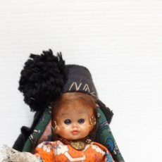 Muñecas Extranjeras: ANTIGUA MUÑECA REGIONAL NAZARE. Lote 167146540
