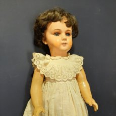 Muñecas Extranjeras: EXTRAORDINARIA Y GRAN MUÑECA ALEMANA DE 90 CM. EMITE SONIDO. MARCAS EN LA NUCA. VER FOTOS.. Lote 167919696