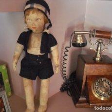 Bonecas Internacionais: MUÑECA FIELTRO,DEL VACIADO CASA, PICOS POLILLA EN CABEZA Y VESTIDO, SUCIA,MANCHAS HUMEDAD,RARA,1926. Lote 174227833