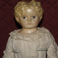 Muñecas Extranjeras: ANTIGUA MUÑECA RUBIA DE PAPEL MACHÉ DE 40 CM. Lote 175044722
