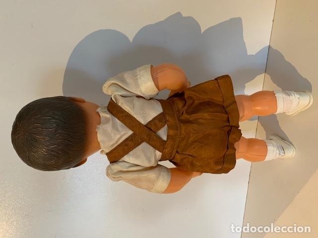 Muñecas Extranjeras: ANTIGUO MUÑECO FRANCES DE LOS 40 - 50 DE GOMA DURA CON TRAJE ORIGINAL - Foto 5 - 175944423