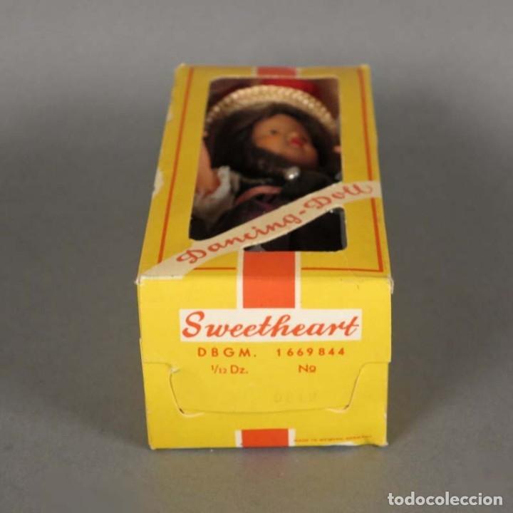 Muñecas Extranjeras: Muñeca Dancing Doll Sweetheart en su caja original. 1950 - 1960 (BRD) - Foto 2 - 177295230