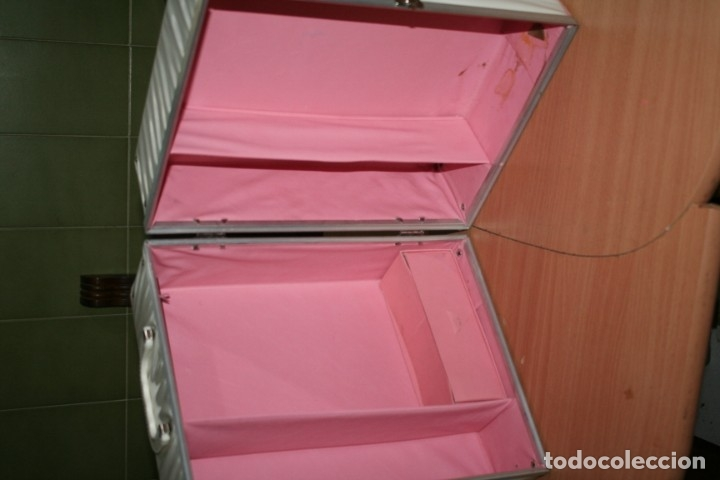 Muñecas Extranjeras: antiguo maletin muñeca tipo barbie fashion doll wardrobe case - Foto 6 - 179094670
