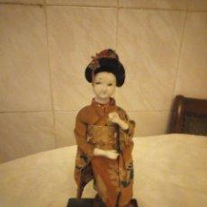 Muñecas Extranjeras: MUÑECA GEISHA MADE IN JAPAN PRINCIPIOS DE SIGLO XX,PASTAS,MADERA,TEJIDO Y PELO DE MOAHIR. Lote 182033010