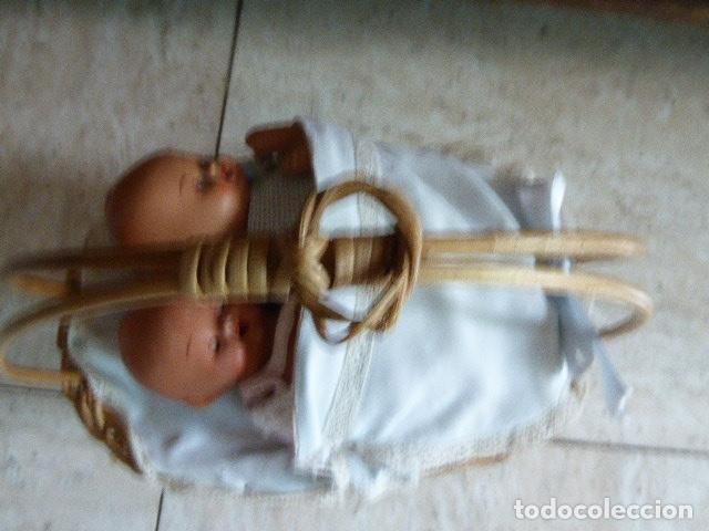 Muñecas Extranjeras: ANTIGUOS Y PRECIOSOS GEMELOS EN SU CUNA. CERAMICA. UNO DE ELLOS CON OJOS DURMIENTES. - Foto 11 - 182352481